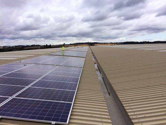 Photon Energy installs ground-breaking solar plus storage at Prologis Park Pineham